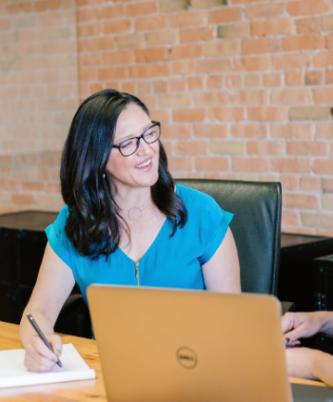 9 mujeres emprenden un negocio por cada 10 hombres que lo hacen